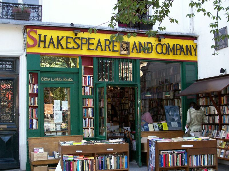 Shakespeare and Company - Paris Attitude